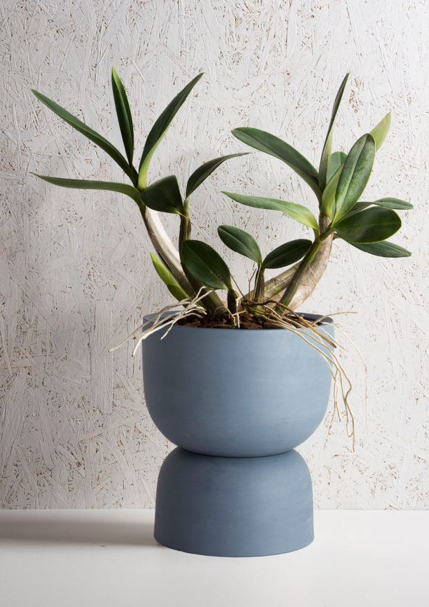 Angus & Celeste Raw Earth Plant Pot Slate Blue